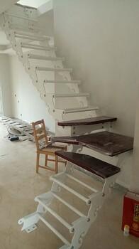 斜梁楼梯钢木双梁楼梯批发