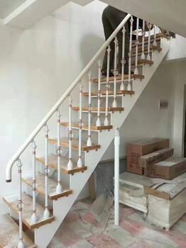 斜梁楼梯玻璃栏杆实木齐发国际