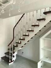 弧形楼梯美观大气钢木楼梯图片