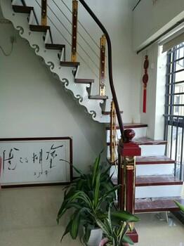 实木楼梯护栏立柱定制