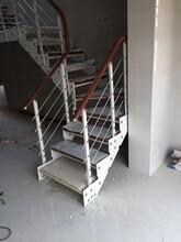 斜梁樓梯燈光護欄立柱圖片