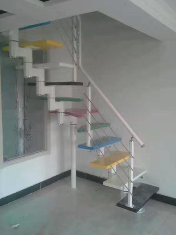 斜梁楼梯阁楼钢木楼梯