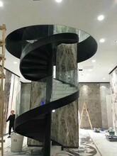 阁楼楼梯弧形扶手图片