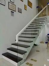 中柱旋转楼梯室内钢木楼梯图片