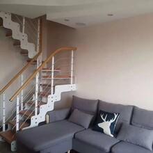 重型卷板樓梯廣州實木立柱價格圖片