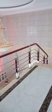 中柱旋转楼梯玻璃楼梯扶手批发图片