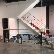 實木樓梯不銹鋼護欄立柱批發價格圖片