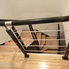 阁楼楼梯不锈钢玻璃护栏立柱图片