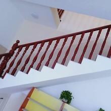 中柱旋轉鐵藝樓梯護欄圖片