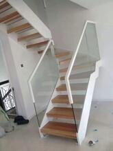 中柱旋轉鋼木雙梁樓梯價格圖片
