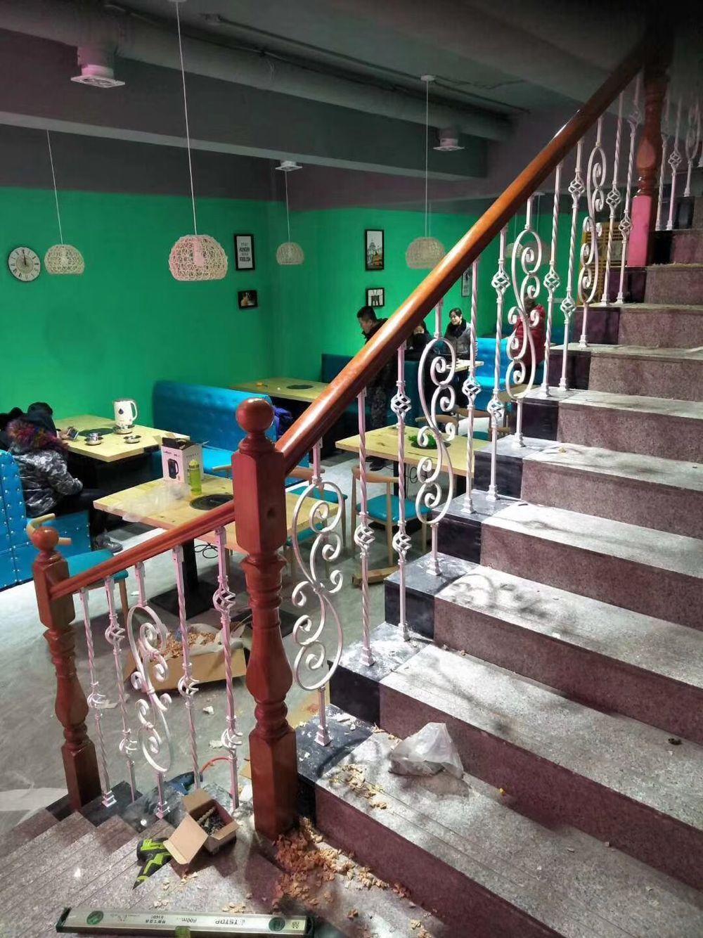 实木玻璃楼梯扶手厂家