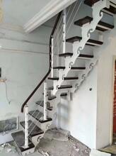 弧形实木扶手楼梯图片
