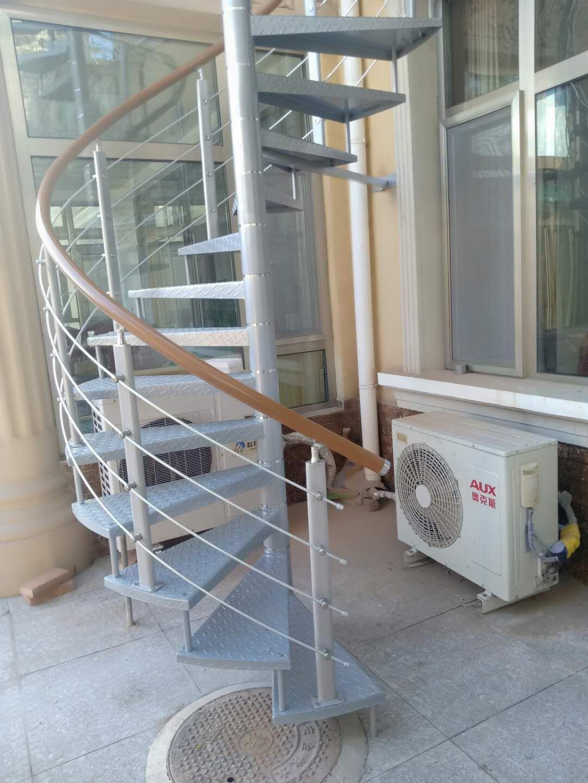 配件实木楼梯扶手多少钱一米