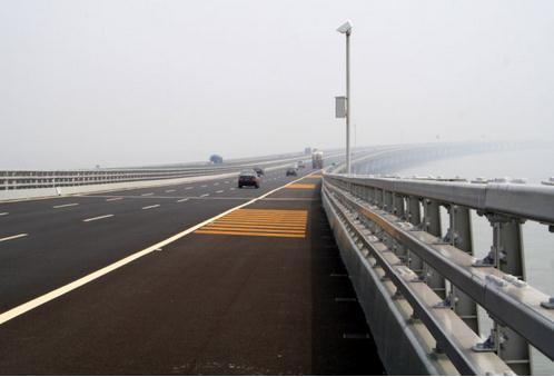 安全防护甘肃省金昌市桥梁防撞护栏生产厂家图片