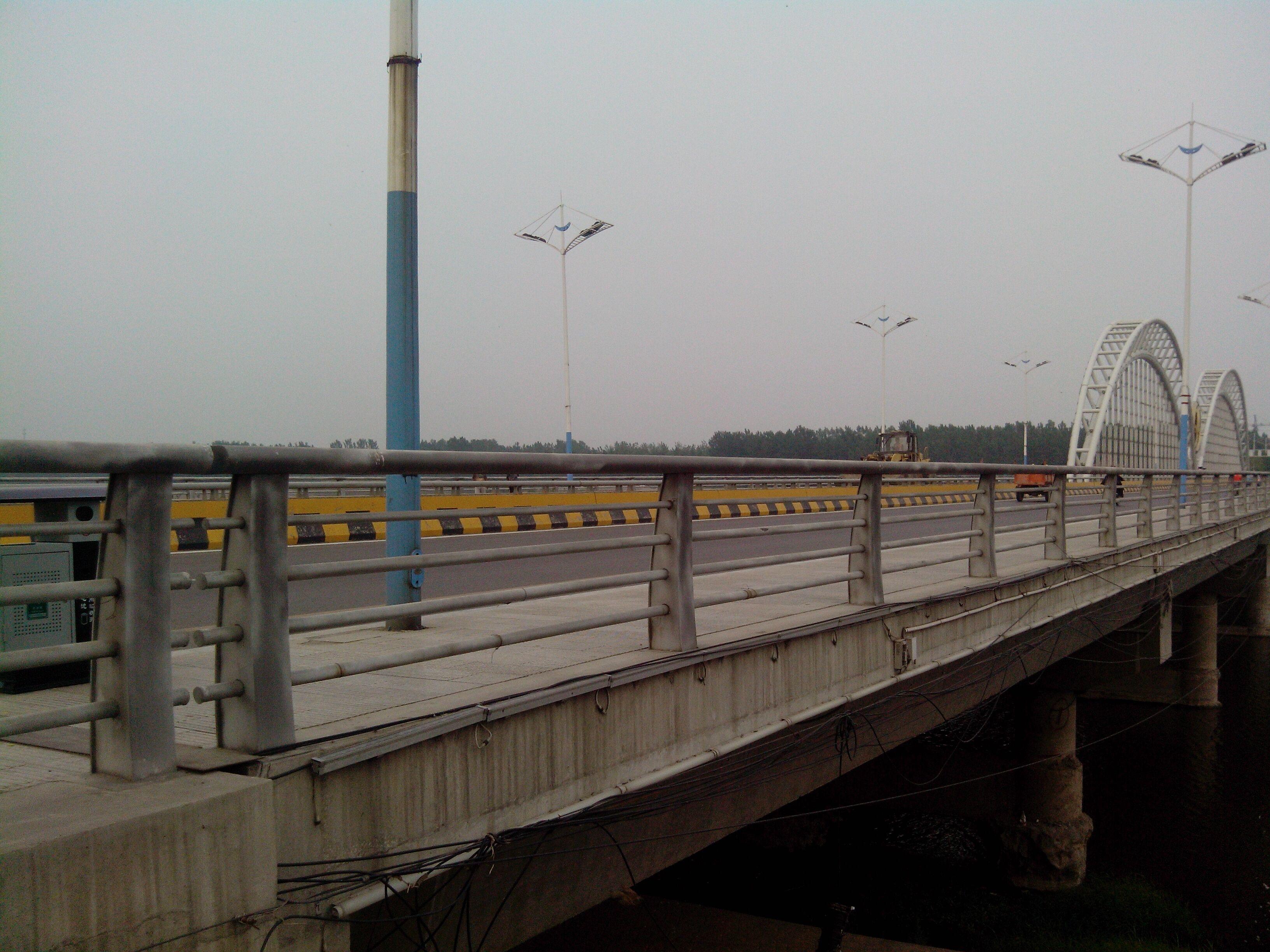 市政防撞护栏辽宁省辽阳市高速桥梁防撞护栏市场图片