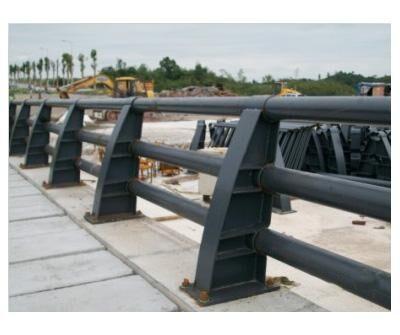 桥梁防撞护栏的选择原则有如下要求图片