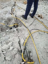内江市劈裂机液压开山裂石器图片