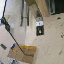 上海长宁区玻璃门夹维修地锁安装GMT地弹簧安装