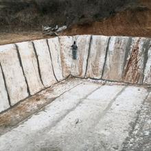 甘肃庆阳护坡水泥毯鱼塘水池防渗混凝土帆布浇水硬化水泥毯边坡防护水泥毯图片