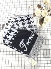 新款羊絨圍巾披肩品牌折扣女裝廣州折扣公司健凡服飾圖片
