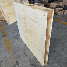 潍坊托盘商家电话新材料厂家发货用一次性木质托盘载重大价格低图片
