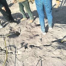 石场开采石灰石青石液压劈裂棒浙江温州图片