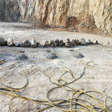 基坑開挖靜態破石機廣東河源開采礦山有效率圖片