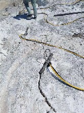 边坡岩石拆除裂石机广西南宁