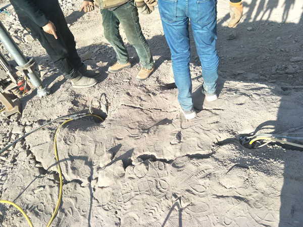 沂源县代替爆破开采岩石设备劈石