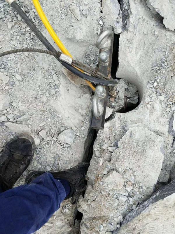 湖北荆门免除放炮开山的采石场机械
