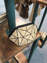 东莞市橡木林软木皮PU革厂家鞋包箱包材料软木生产厂商图片