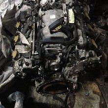 奔驰E200发动机总成原厂件,供应奔驰拆车件图片