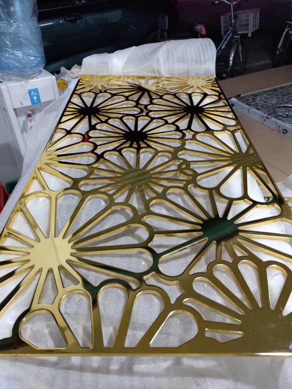 锢雅精雕纯铜雕花屏风,铜艺钛金镂空花格做工精细,形象逼真