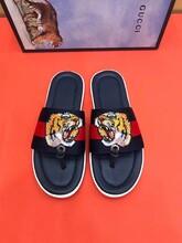 普及下网上高仿VERSACE鞋厂家价格,拿货一般多少钱图片