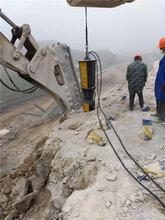 甘肅敦煌市不用爆破的礦山開采怎么破碎石頭提供施工現場圖片