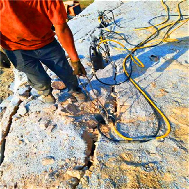 陕西榆林采石场比放炮成本低劈裂机规格尺寸