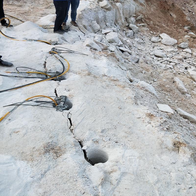 广东惠州花岗岩破碎机械露天矿开采机载劈裂机