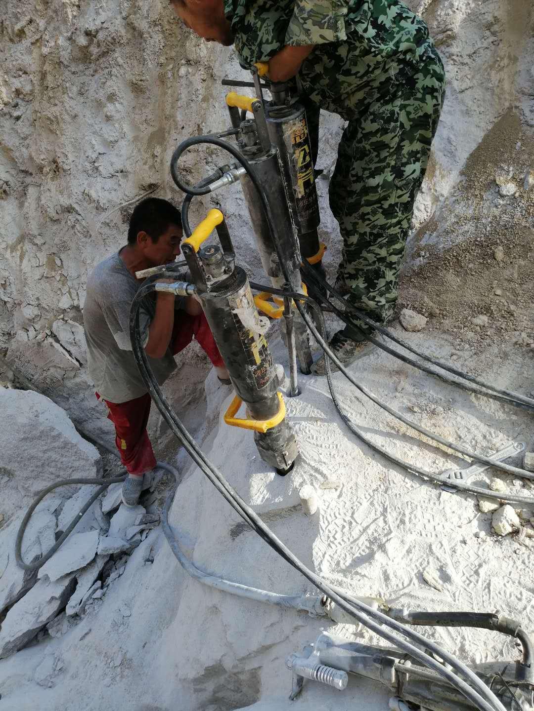 云南丽江市矿山开采液压岩石裂石棒