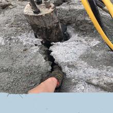 湖北鄂州不用爆破如何开山劈裂机技术指导图片