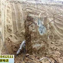 開山破碎石頭開采機械設備哈密圖片