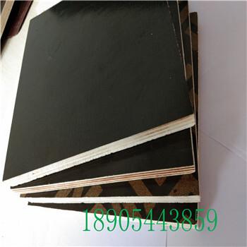 建筑覆膜板四八尺11mm山东建筑覆膜板能签质量合同的博汇建筑模板生产厂家