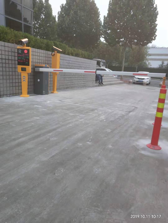 薛城區小區道閘車牌識別系統無人值守
