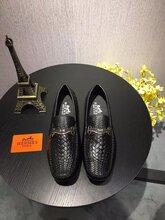 高端品牌GUCCI经典小白鞋顶级奢侈品给大家说说