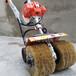 轻型除锈打磨机钢丝轮打磨机房屋除锈彩钢瓦除锈机