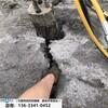 露天矿山开采液压柱岩石开石机减少挖机损伤