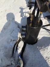 道路两边扩宽岩石破碎清除机器岩石破碎的工具图片