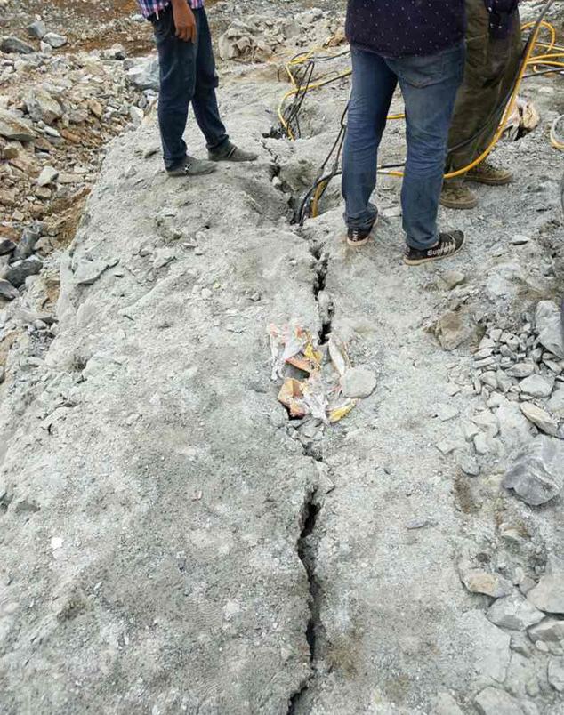 基坑硬石头不能爆破拆除用什么机械--新品研发