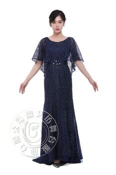 需要披肩拖尾长裙,北京买礼服便宜去哪里?