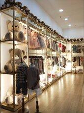 玫瑰金服装货架,广东服装落地展示架加,广东服装陈列架厂家,广东服装展示架定制