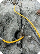 江西-订购开采液压岩石劈裂机劈裂机现货价格图片